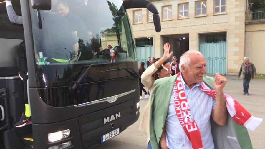 RB-Mäzen Dietrich Mateschitz am Teambus