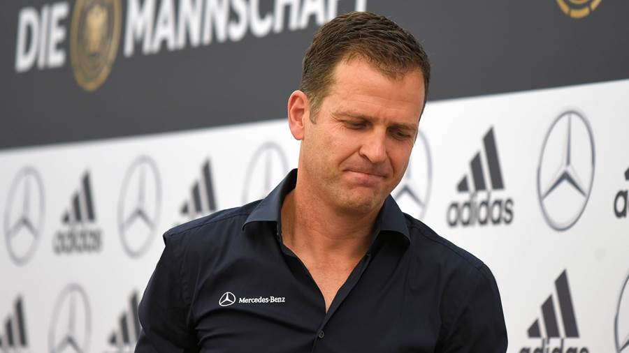 Teammanager Oliver Bierhoff warnt.