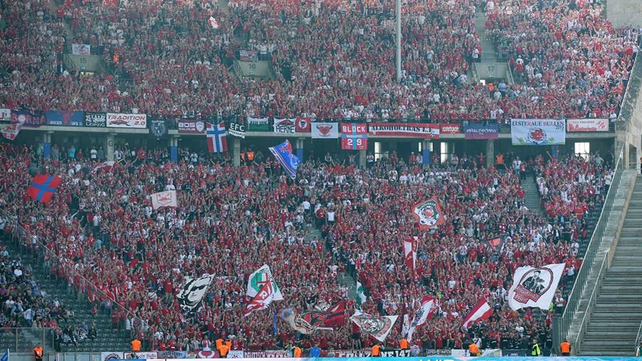 BERLIN,GERMANY,12.MAY.18 - SOCCER - 1. DFL, 1. Deutsche Bundesliga, Hertha BSC Berlin vs RasenBallsport Leipzig. Image shows fans of RB Leipzig. Photo: GEPA pictures/ Roger Petzsche - For editorial use only. Image is free of charge.