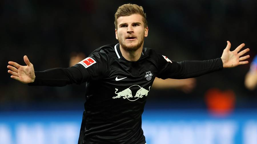 BERLIN, GERMANY - NOVEMBER 03:  Timo Werner of Leipzig celebrates after scoring his team's first goal during the Bundesliga match between Hertha BSC and RB Leipzig at Olympiastadion on November 3, 2018 in Berlin, Germany. (Photo by Matthias Kern/Bongarts/Getty Images)