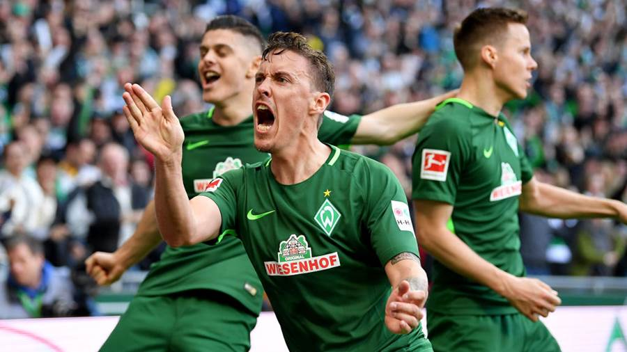 BREMEN, GERMANY - APRIL 15: Max Kruse of Bremen celebrates the opening goal during the Bundesliga match between SV Werder Bremen and RB Leipzig at Weserstadion on April 15, 2018 in Bremen, Germany.  (Photo by Stuart Franklin/Bongarts/Getty Images)