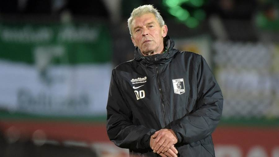 BSG Trainer Dietmar Demuth nach dem Spiel BSG Chemie Leipzig vs SC Paderborn 07, Fussball, DFB-Pokal, 30.10.2018DFB REGULATIONS PROHIBIT ANY USE OF PHOTOGRAPHS AS IMAGE SEQUENCES AND/OR QUASI-VIDEO