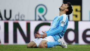 CHEMNITZ, GERMANY - NOVEMBER 10: Philipp Hosiner of Chemnitz looks dejected after forgiven goalchance during the 3. Liga match between Chemnitzer FC and FC Wuerzburger Kickers at Stadion an der Gellertstrasse on November 10, 2019 in Chemnitz, Germany. (Photo by Karina Hessland-Wissel/Getty Images for DFB)