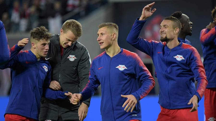 Diego Demme (RB 31), Lukas Klostermann (RB 16), Stefan Ilsanker (RB 13) beim Spiel RasenBallsport Leipzig (RB) vs 1. FC Nürnberg / Nuernberg (FCN), Fussball, 1.Liga, 07.10.2018