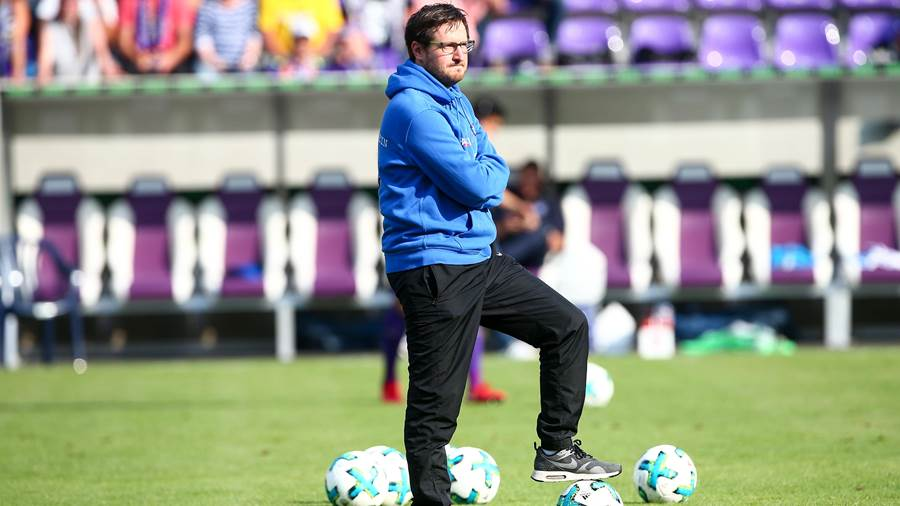 Trainer Hannes Drews (Aue).