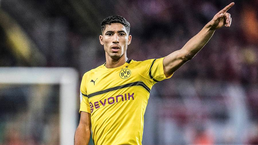 FC Bayern Muenchen an Achraf HAKIMI DO dran. Archivfoto: Achraf HAKIMI DO Gestik, Geste, Fussball DFB Pokal, 2. Runde, Borussia Dortmund DO - 1. FC Union Berlin 3:2 n.V., am 31.10.2018 in Dortmund/ Deutschland. DFL regulations prohibit any use of photographs as image sequences and/ or quasi-video  *** FC Bayern Muenchen to Achraf HAKIMI DO on Archival Photo Achraf HAKIMI DO gesture, gesture, football DFB Pokal, 2 round, Borussia Dortmund DO 1 FC Union Berlin 3 2 n V , on 31 10 2018 in Dortmund Germany DFL regulations prohibit any use of photographs as image sequences and or quasi video