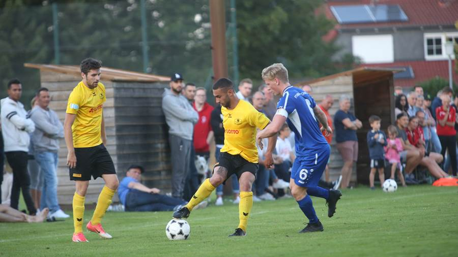 Wolters-Cup 2018: MTV Gifhorn (gelbe Trikots) - FT Braunschweig.