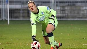 Friederike Abt (Torwart, TSG, 27), am Ball, Freisteller, Ganzkörper, Einzelbild, Aktion, Action, Fussball, Allianz Frauen-Bundesliga, TSG 1899 Hoffenheim - SC Sand, DFB REGULATIONS PROHIBIT ANY USE OF PHOTOGRAPHS AS IMAGE SEQUENCES AND/OR QUASI-VIDEO. *** Friederike Abt Goalkeeper TSG 27 on ball Clip release full body action action football alliance women Bundesliga TSG 1899 Hoffenheim SC Sand DFB REGULATIONS PROHIBIT ANY USE OF PHOTOGRAPHS AS IMAGE SEQUENCES AND OR QUASI VIDEO xozx