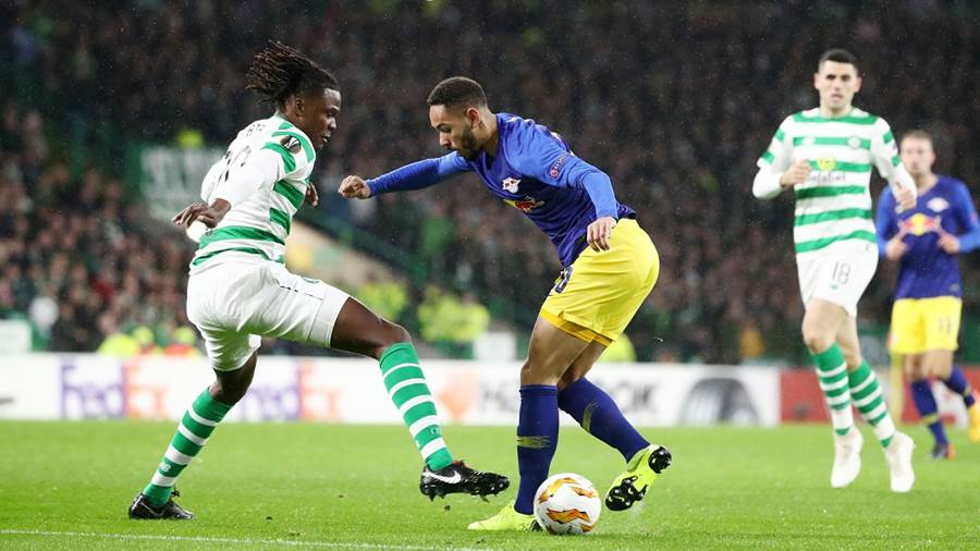 GLASGOW,SCOTLAND,08.NOV.18 - SOCCER - UEFA Europa League, group stage, Celtic FC Glasgow vs RasenBallsport Leipzig. Image shows Dedryck Boyata (Celtic) and Matheus Cunha (RB Leipzig). Photo: GEPA pictures/ Roger Petzsche - For editorial use only. Image is free of charge.