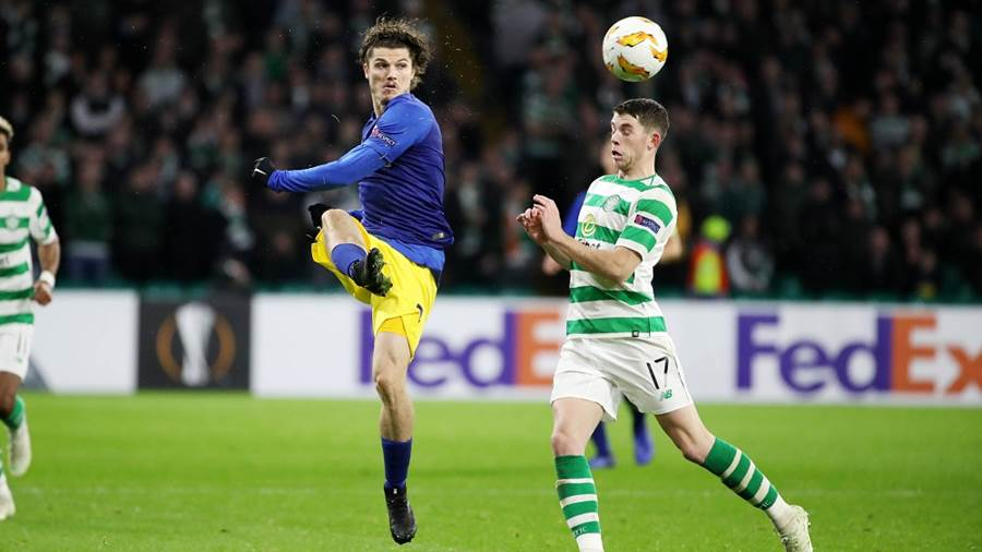 GLASGOW,SCOTLAND,08.NOV.18 - SOCCER - UEFA Europa League, group stage, Celtic FC Glasgow vs RasenBallsport Leipzig. Image shows Marcel Sabitzer (RB Leipzig) and Ryan Christie (Celtic). Photo: GEPA pictures/ Sven Sonntag - For editorial use only. Image is free of charge.