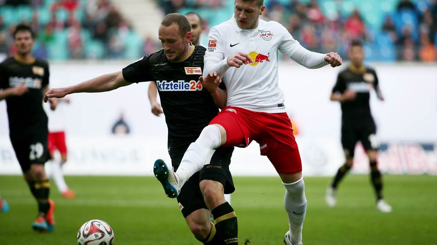 LEIPZIG,GERMANY,01.MAR.15 - SOCCER - 2. DFL, 2. Deutsche Bundesliga, RasenBallsport Leipzig vs FC Union Berlin. Image shows Toni Leister (Berlin) and Ante Rebic (RB Leipzig). Photo: GEPA pictures/ Kerstin Kummer - For editorial use only. Image is free of charge.