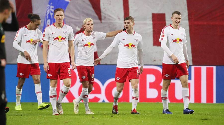 LEIPZIG,GERMANY,02.DEC.18 - SOCCER - 1. DFL, 1. Deutsche Bundesliga, RasenBallsport Leipzig vs Borussia Moenchengladbach. Image shows the rejoicing of RB Leipzig. Photo: GEPA pictures/ Sven Sonntag - DFL regulations prohibit any use of photographs as image sequences and/or quasi-video - For editorial use only. Image is free of charge.