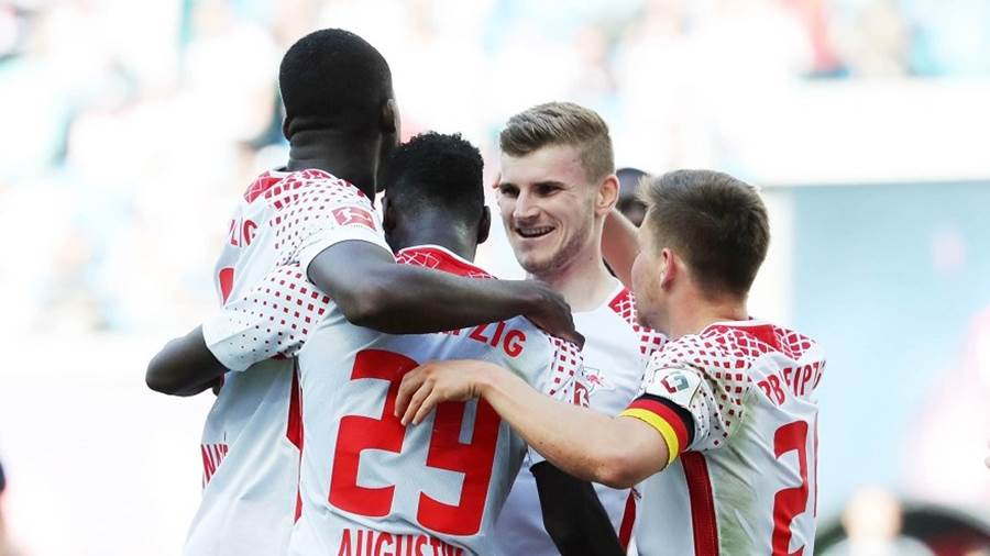 LEIPZIG,GERMANY,05.MAY.18 - SOCCER - 1. DFL, 1. Deutsche Bundesliga, RasenBallsport Leipzig vs VfL Wolfsburg. Image shows the rejoicing of RB Leipzig with Timo Werner (RB Leipzig). Photo: GEPA pictures/ Sven Sonntag - For editorial use only. Image is free of charge.