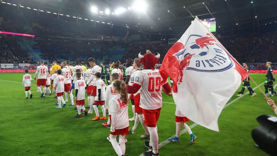 LEIPZIG,GERMANY,18.JAN.20 - SOCCER - 1. DFL, 1. Deutsche Bundesliga, RasenBallsport Leipzig vs Union Berlin. Image shows the team of RB Leipzig. Photo: GEPA pictures/ Roger Petzsche - ATTENTION - DFL regulations prohibit any use of photographs as image sequences and/or quasi-video - For editorial use only. Image is free of charge.