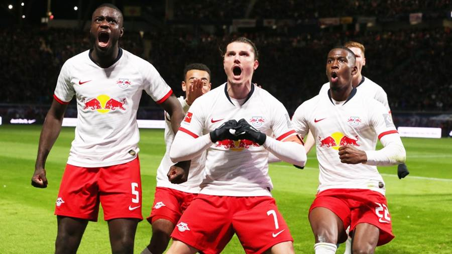 LEIPZIG,GERMANY,18.JAN.20 - SOCCER - 1. DFL, 1. Deutsche Bundesliga, RasenBallsport Leipzig vs Union Berlin. Image shows the rejoicing of Dayot Upamecano, Marcel Sabitzer and Nordi Mukiele (RB Leipzig). Photo: GEPA pictures/ Sven Sonntag - ATTENTION - DFL regulations prohibit any use of photographs as image sequences and/or quasi-video - For editorial use only. Image is free of charge.
