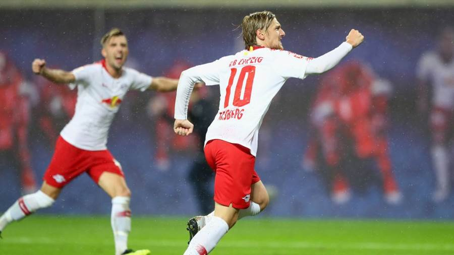 LEIPZIG, GERMANY - AUGUST 30: Emil Forsberg of Leipzig celebrates his team's third goal during the UEFA Europa League Qualifying Play-Off second leg match between RB Leipzig and Zorya Luhansk at Red Bull Arena on August 30, 2018 in Leipzig, Germany.  (Photo by Martin Rose/Bongarts/Getty Images)