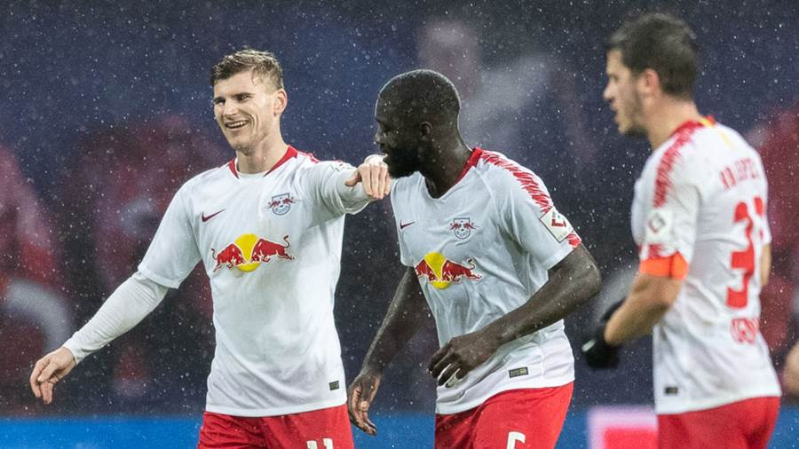 LEIPZIG, GERMANY - DECEMBER 02: Timo Werner und Dayot Upamecano of RB Leipzig after scoring his team's second goal uring the Bundesliga match between RB Leipzig and Borussia Moenchengladbach at Red Bull Arena on December 2, 2018 in Leipzig, Germany. (Photo by Boris Streubel/Bongarts/Getty Images)