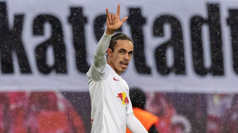 LEIPZIG, GERMANY - DECEMBER 16: Yussuf Poulsen of RB Leipzig celebrates after scoring his team's first goal during the Bundesliga match between RB Leipzig and 1. FSV Mainz 05 at Red Bull Arena on December 16, 2018 in Leipzig, Germany. (Photo by Boris Streubel/Bongarts/Getty Images)