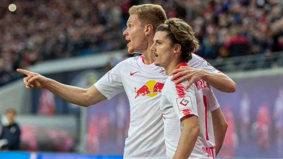 LEIPZIG, GERMANY - OCTOBER 07: Marcel Sabitzer of RB Leipzig celebrates after scoring his team's third goal during the Bundesliga match between RB Leipzig and 1. FC Nuernberg at Red Bull Arena on October 7, 2018 in Leipzig, Germany.  (Photo by Boris Streubel/Bongarts/Getty Images)