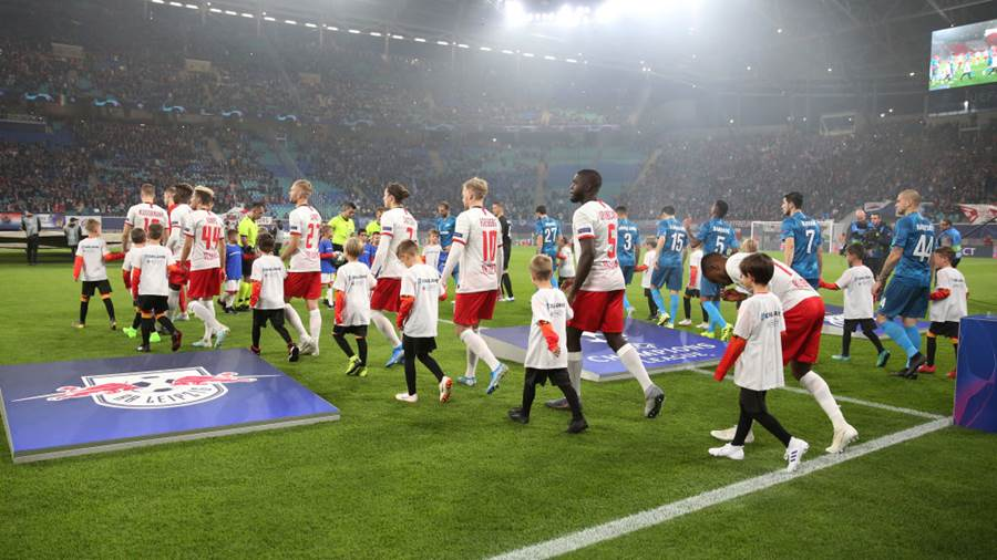 LEIPZIG, GERMANY - OCTOBER 23: Players of RB Leipzig and Zenit St. Petersburg walk out prior to the UEFA Champions League group G match between RB Leipzig and Zenit St. Petersburg at Red Bull Arena on October 23, 2019 in Leipzig, Germany. (Photo by Maja Hitij/Bongarts/Getty Images)