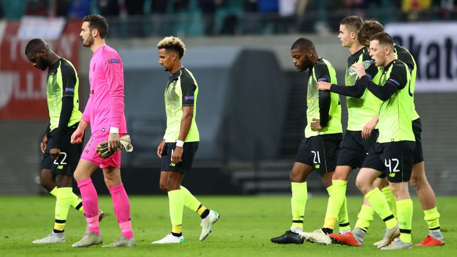 LEIPZIG, GERMANY - OCTOBER 25:  Celtic players look dejected during the UEFA Europa League Group B match between RB Leipzig and Celtic at Red Bull Arena on October 25, 2018 in Leipzig, Germany.  (Photo by Martin Rose/Bongarts/Getty Images)