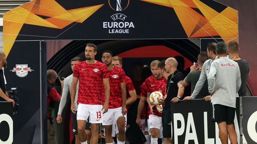 LEIPZIG, GERMANY - SEPTEMBER 20:  The Players of Leipzig enter the pitch prior to the UEFA Europa League Group B match between RB Leipzig and FC Salzburg at Red Bull Arena on September 20, 2018 in Leipzig, Germany.  (Photo by Matthias Kern/Bongarts/Getty Images)
