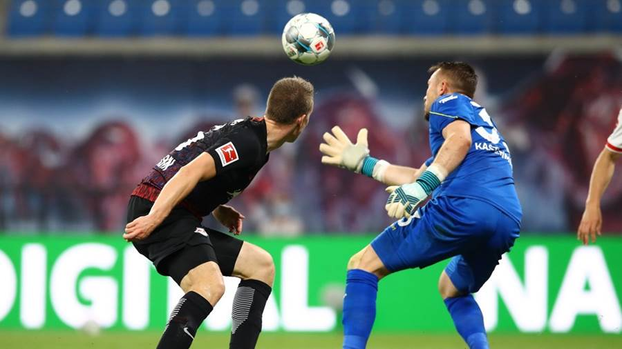 LEPIZIG,GERMANY,17.JUN.20 - SOCCER - 1. DFL, 1. Deutsche Bundesliga, RasenBallsport Leipzig vs Fortuna Duesseldorf. Image shows Lukas Klostermann (RB Leipzig) and Florian Kastenmeier (Duesseldorf). Photo: GEPA pictures/ Roger Petzsche/ Picture Point/ POOL via Pictures Point - ATTENTION - COPYRIGHT FOR AUSTRIAN CLIENTS ONLY - DFL regulations prohibit any use of photographs as image sequences and/or quasi-video - Editorial Use ONLY - For editorial use only. Image is free of charge.