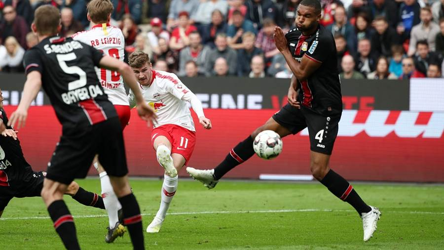 LEVERKUSEN,GERMANY,06.APR.19 - SOCCER - 1. DFL, 1. Deutsche Bundesliga, Bayer 04 Leverkusen vs RasenBallsport Leipzig. Image shows Sven Bender (Leverkusen) and Timo Werner (RB Leipzig). keywords: goal. Photo: GEPA pictures/ Roger Petzsche - DFL regulations prohibit any use of photographs as image sequences and/or quasi-video. - For editorial use only. Image is free of charge
