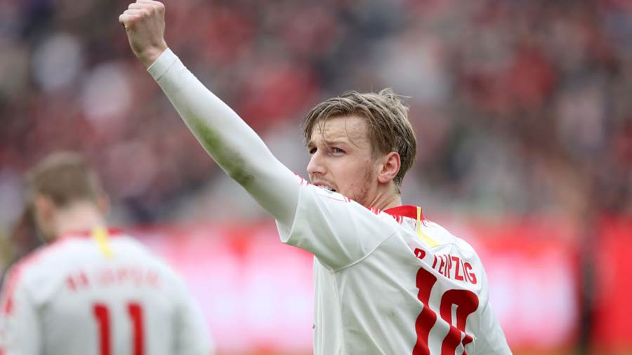 LEVERKUSEN, GERMANY - APRIL 06:  Emil Forsberg of RB Leipzig celebrates after scoring his team's third goal form penalty during the Bundesliga match between Bayer 04 Leverkusen and RB Leipzig at BayArena on April 06, 2019 in Leverkusen, Germany. (Photo by Christof Koepsel/Bongarts/Getty Images)