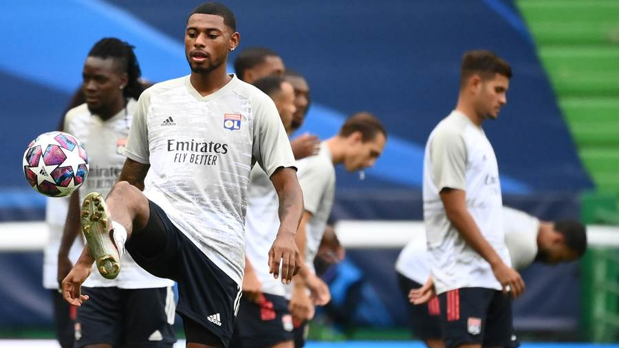LISBON, PORTUGAL - AUGUST 19: Jeff Reine-Adelaide of Olympique Lyonnais warms up prior to the UEFA Champions League Semi Final match between Olympique Lyonnais and Bayern Munich at Estadio Jose Alvalade on August 19, 2020 in Lisbon, Portugal. (Photo by Franck Fife/Pool via Getty Images)