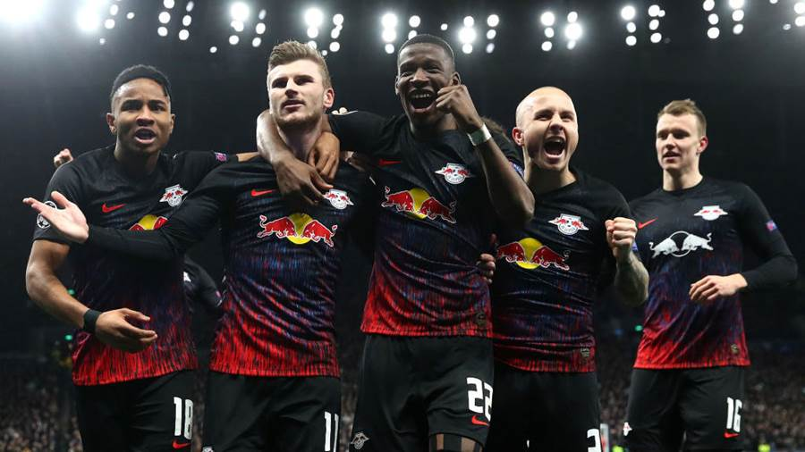 LONDON, ENGLAND - FEBRUARY 19: Timo Werner of RB Leipzig  celebrates after scoring his team's first goal during the UEFA Champions League round of 16 first leg match between Tottenham Hotspur and RB Leipzig at Tottenham Hotspur Stadium on February 19, 2020 in London, United Kingdom. (Photo by Julian Finney/Getty Images)