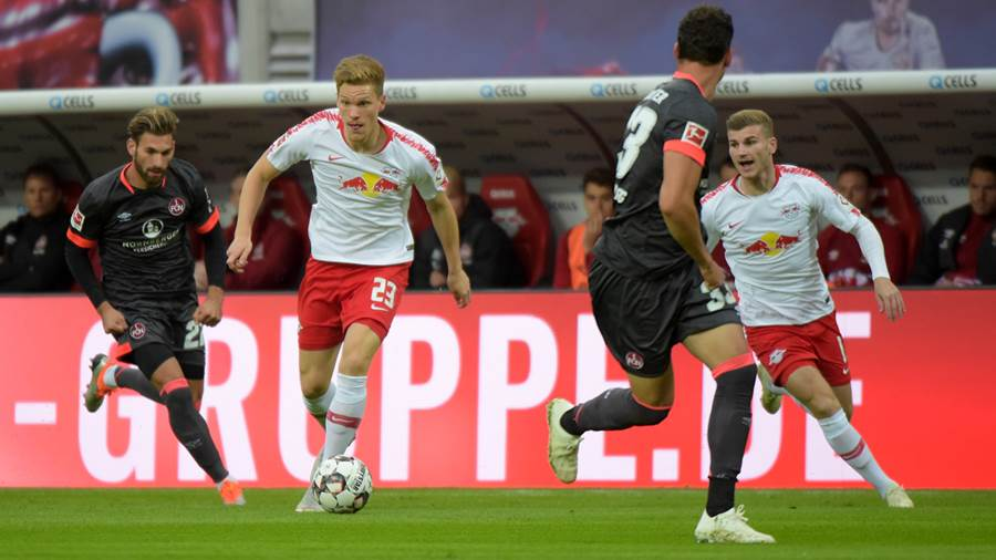 Marcel Halstenberg (RB 23) und Timo Werner (RB 11) im Angriff beim Spiel RasenBallsport Leipzig (RB) vs 1. FC Nürnberg / Nuernberg (FCN), Fussball, 1.Liga, 07.10.2018