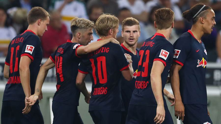 MOENCHENGLADBACH, GERMANY - AUGUST 30: Timo Werner (3rdR) of RB Leipzig celebrates with his team mates after scoring his team's second goal during the Bundesliga match between Borussia Moenchengladbach and RB Leipzig at Borussia-Park on August 30, 2019 in Moenchengladbach, Germany. (Photo by Lars Baron/Bongarts/Getty Images)