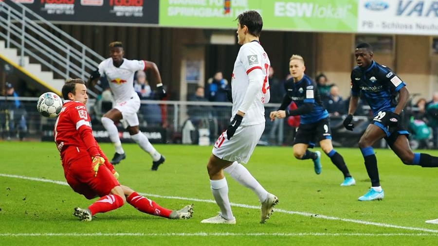 PADERBORN,GERMANY,30.NOV.19 - SOCCER - 1. DFL, 1. Deutsche Bundesliga, SC Paderborn vs RasenBallsport Leipzig. Image shows Leopold Zingerle (Paderborn) and Patrick Schick (RB Leipzig). Photo: GEPA pictures/ Roger Petzsche - DFL regulations prohibit any use of photographs as image sequences and/or quasi-video. - For editorial use only. Image is free of charge.