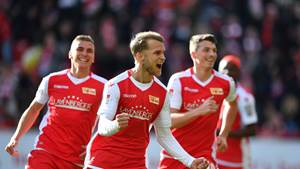 Sebastian Andersson (Union), jubelt nach seinem Tor zum 1:0, hinten Grischa Prömel (Union), Nicolai Rapp (Union), 1. FC Union Berlin - SV Sandhausen 2.Bundesliga 2018/2019, Saison 2018/2019, Fußball, Fussball, DFL, soccer, Herren, Deutschland, Germany, Berlin, 9.2.2019 Stadion Alte Foersterei DFL REGULATIONS PROHIBIT ANY USE OF PHOTOGRAPHS AS IMAGE SEQUENCES AND/OR QUASI-VIDEO *** Sebastian Andersson Union cheers for his goal to 1 0 behind Grischa Prömel Union Nicolai Rapp Union 1 FC Union Berlin SV Sandhausen 2 Bundesliga 2018 2019 Season 2018 2019 Football DFL soccer Men Germany Berlin 9 2 2019 Stadion Alte Foersterei DFL REGULATIONS PROHIBIT ANY USE OF PHOTOGRAPHS AS IMAGE SEQUENCES AND OR QUASI VIDEO