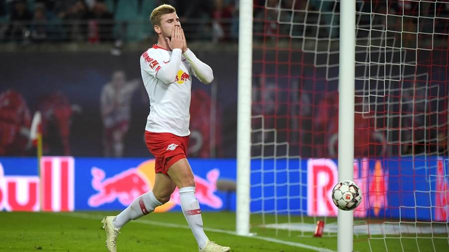 Timo Werner (RB 11) verpasst das Tor beim Spiel RasenBallsport Leipzig (RB) vs VfB Stuttgart, Fussball, 1.Liga, 26.09.2018