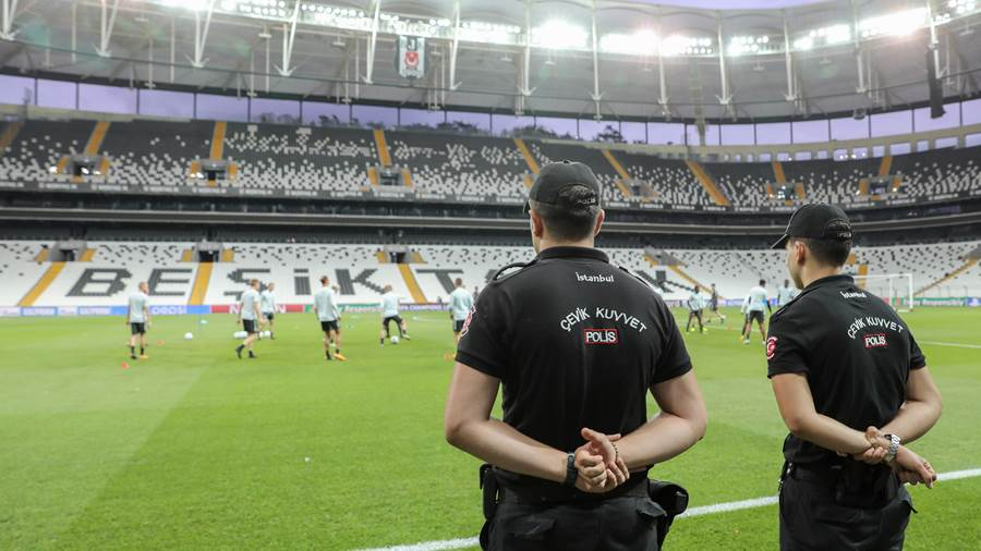 Training vor der Champions League-Partie bei Besiktas Istanbul (dpa) (6)