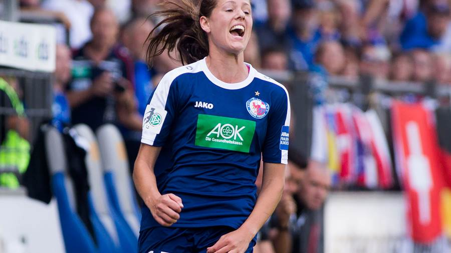 Turbine-Kickerin Inka Wesely.
